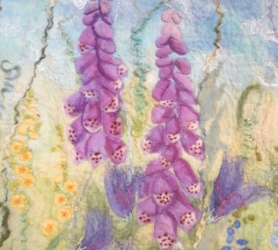 Join felt artist Marian May and create your own wet felt art Beach or Flower border picture.